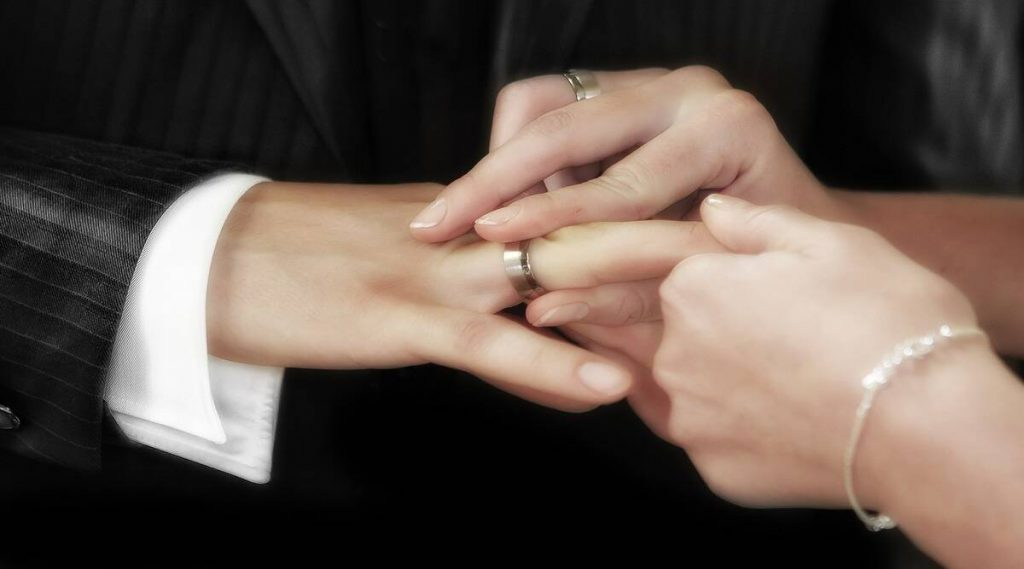 Foreigners married to Indians cannot enjoy OCI status after divorce, Centre tells HC